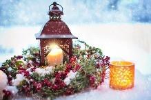 Stylové zimní dekorace do bytu i na zahradu