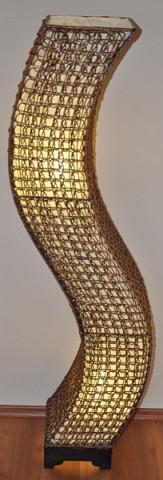 Lampa ratanová vysoká - tvar S