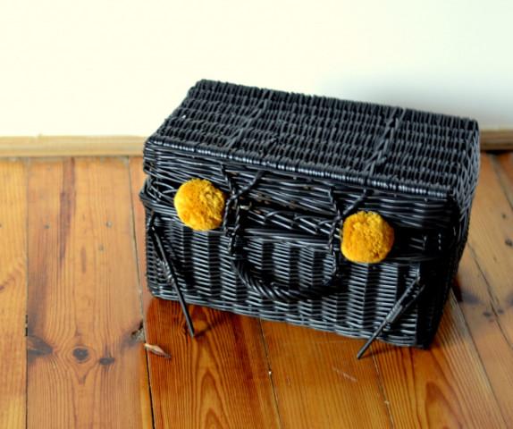Proutěný kufřík