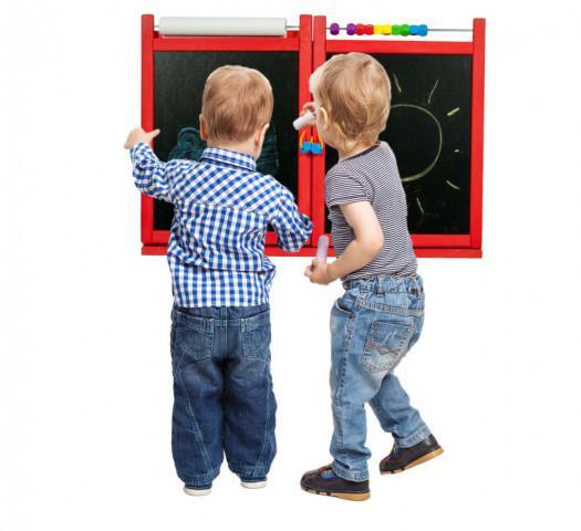 Dětská magnetická/křídová tabule na stěnu - červená