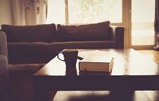 Čtvercový, kulatý, skleněný nebo dřevěný, aneb vybíráme konferenční stolek
