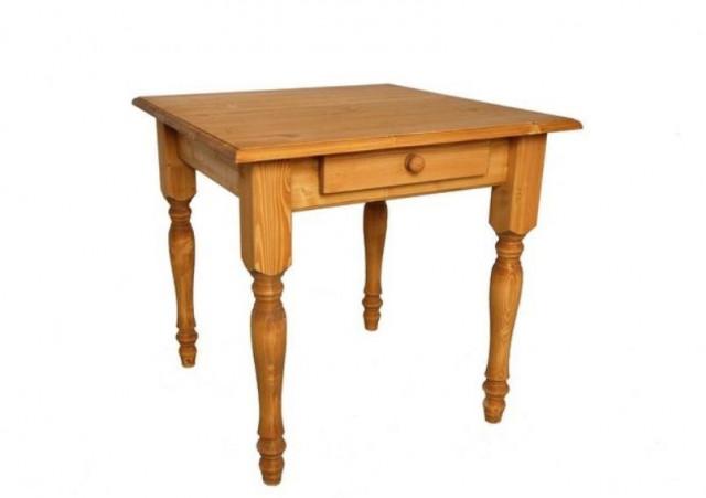 Dřevěný jídelní stůl 00455